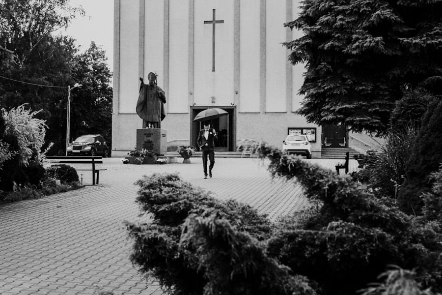 C & R - Mały Dworek Olsztyn - Sesja ślubna nad morzem 30