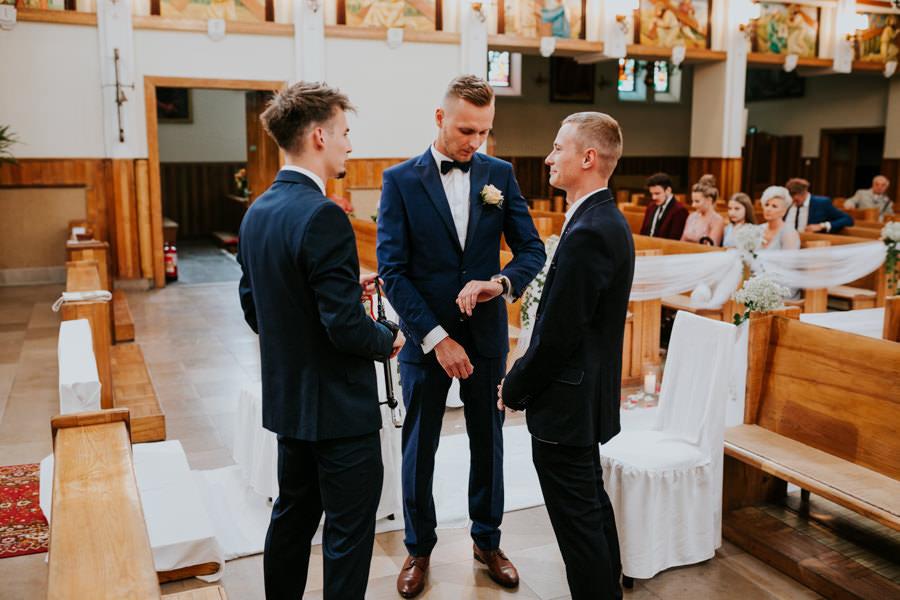 C & R - Mały Dworek Olsztyn - Sesja ślubna nad morzem 31