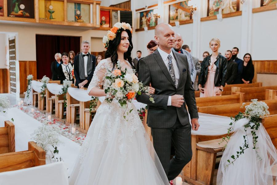 C & R - Mały Dworek Olsztyn - Sesja ślubna nad morzem 33