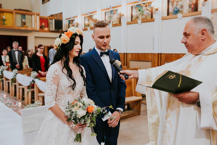 C & R - Mały Dworek Olsztyn - Sesja ślubna nad morzem 37