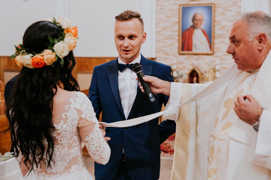 C & R - Mały Dworek Olsztyn - Sesja ślubna nad morzem 38