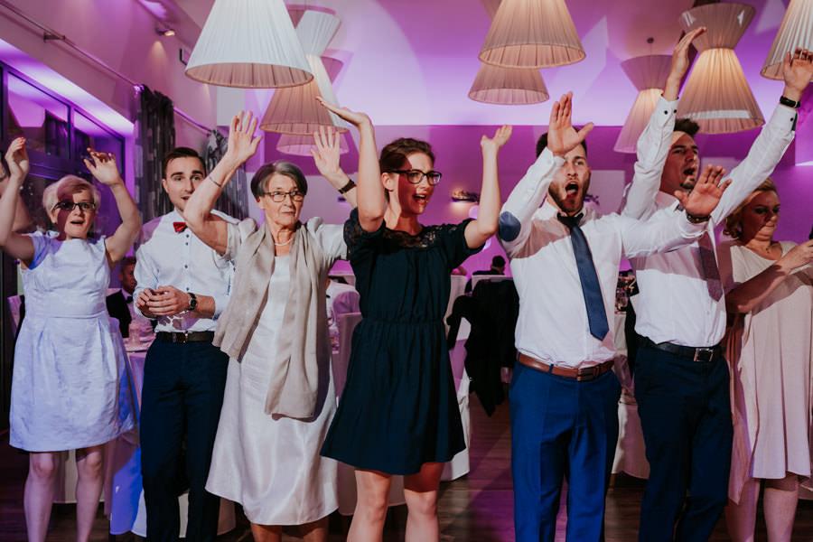C & R - Mały Dworek Olsztyn - Sesja ślubna nad morzem 54