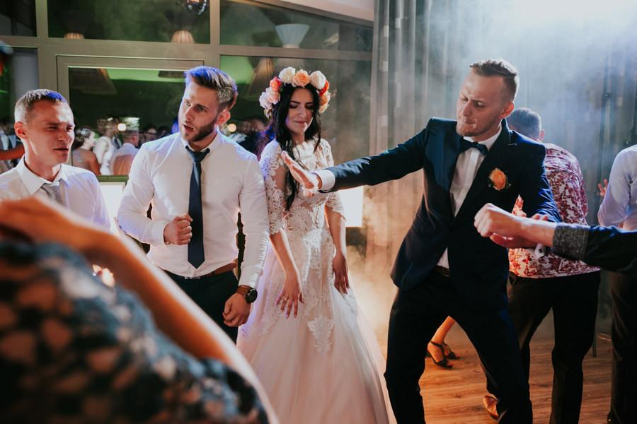 C & R - Mały Dworek Olsztyn - Sesja ślubna nad morzem 64