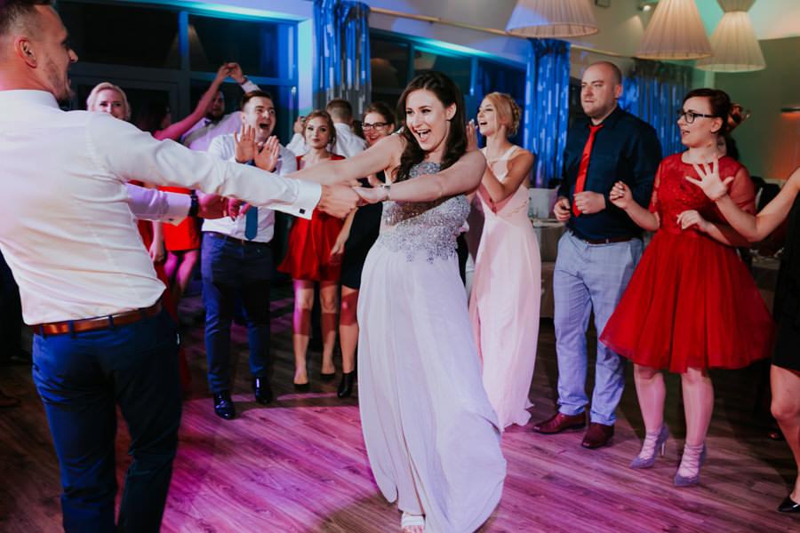 C & R - Mały Dworek Olsztyn - Sesja ślubna nad morzem 65
