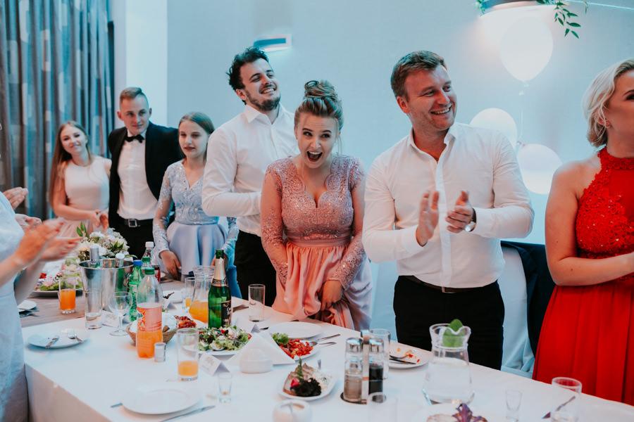 C & R - Mały Dworek Olsztyn - Sesja ślubna nad morzem 72
