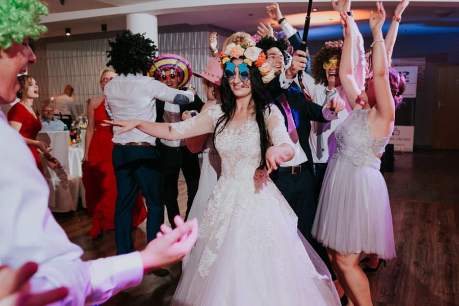 C & R - Mały Dworek Olsztyn - Sesja ślubna nad morzem 75