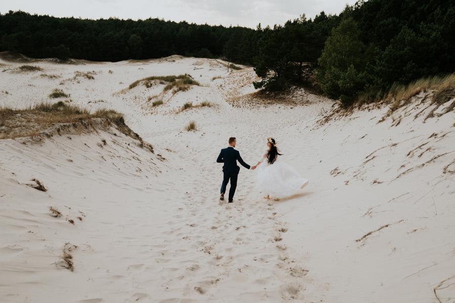 C & R - Mały Dworek Olsztyn - Sesja ślubna nad morzem 104