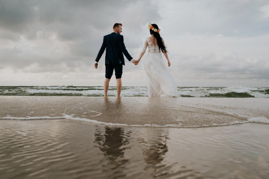 C & R - Mały Dworek Olsztyn - Sesja ślubna nad morzem 108
