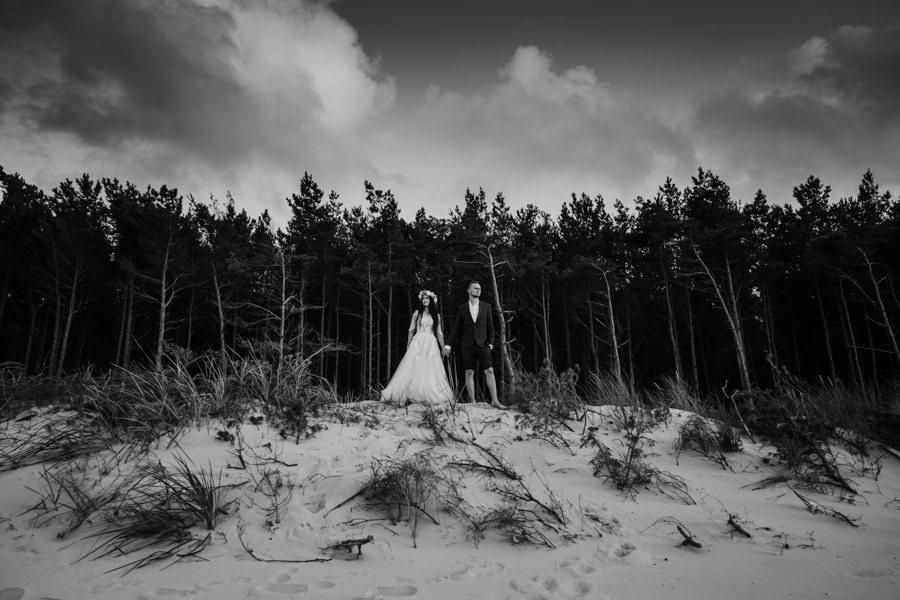 C & R - Mały Dworek Olsztyn - Sesja ślubna nad morzem 116