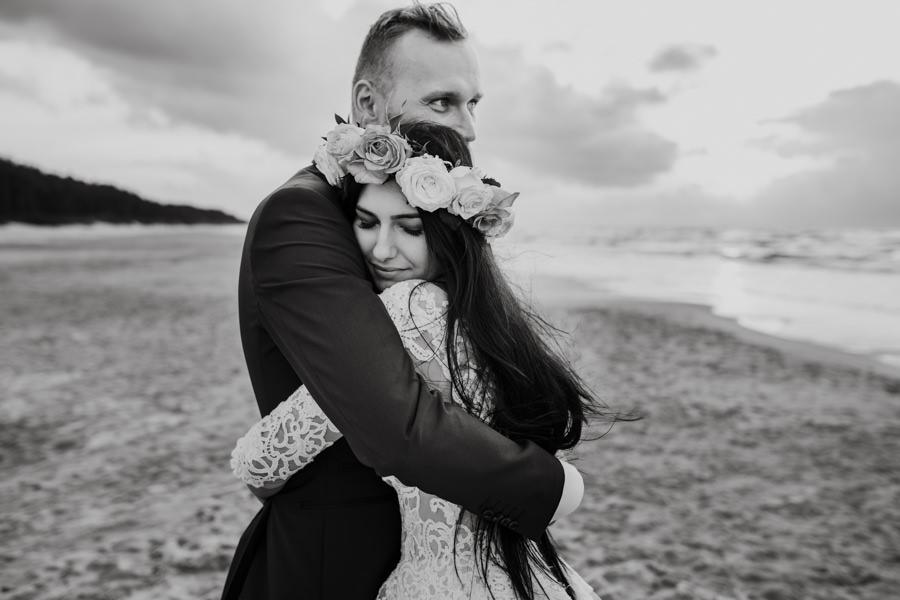 C & R - Mały Dworek Olsztyn - Sesja ślubna nad morzem 117
