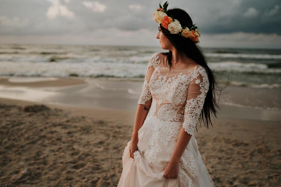 C & R - Mały Dworek Olsztyn - Sesja ślubna nad morzem 118