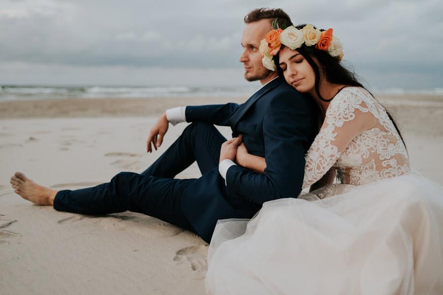 C & R - Mały Dworek Olsztyn - Sesja ślubna nad morzem 119