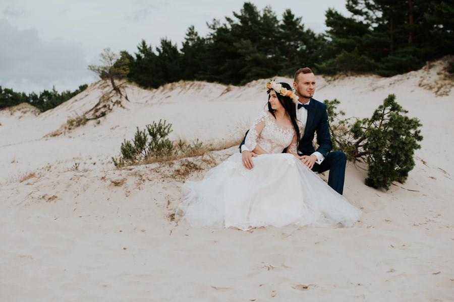 C & R - Mały Dworek Olsztyn - Sesja ślubna nad morzem 86