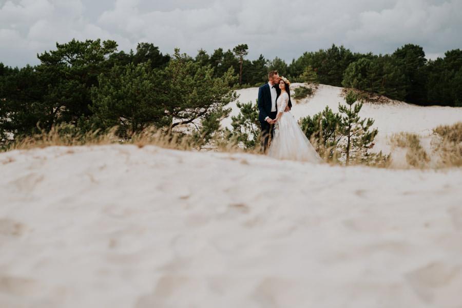 C & R - Mały Dworek Olsztyn - Sesja ślubna nad morzem 88