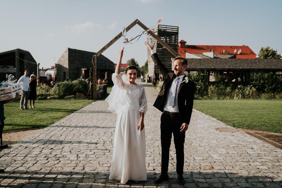 M&M - Rustykalne wesele i ślub w Folwarku Kamyk - Fotograf Częstochowa 103