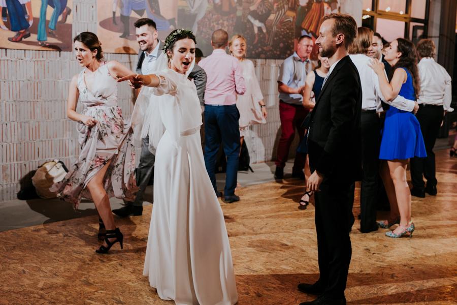 M&M - Rustykalne wesele i ślub w Folwarku Kamyk - Fotograf Częstochowa 113