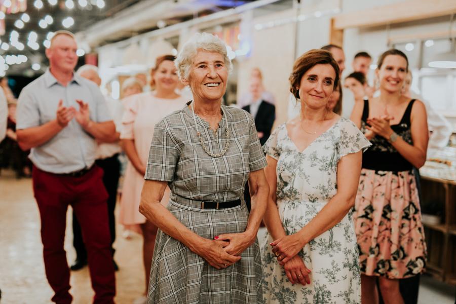 M&M - Rustykalne wesele i ślub w Folwarku Kamyk - Fotograf Częstochowa 125