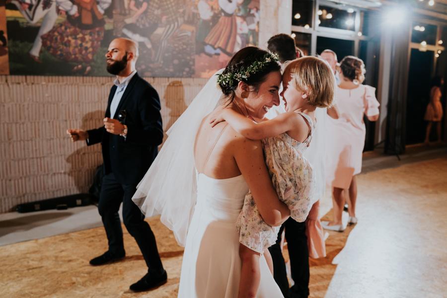 M&M - Rustykalne wesele i ślub w Folwarku Kamyk - Fotograf Częstochowa 127