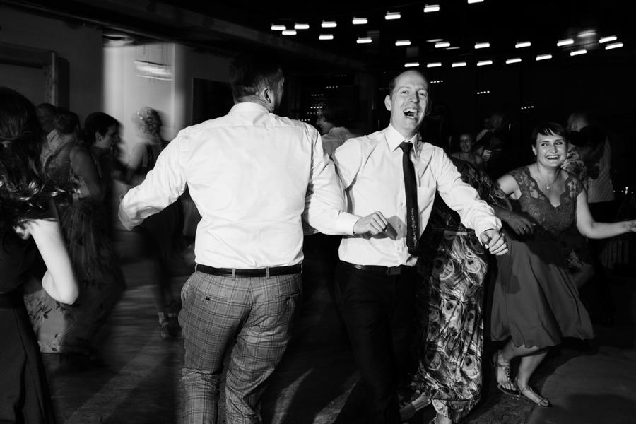 M&M - Rustykalne wesele i ślub w Folwarku Kamyk - Fotograf Częstochowa 139