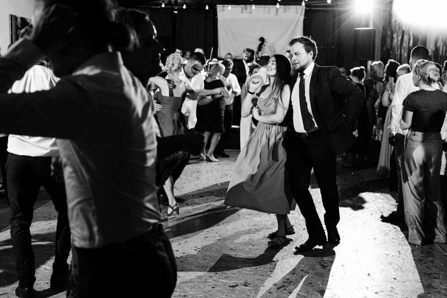 M&M - Rustykalne wesele i ślub w Folwarku Kamyk - Fotograf Częstochowa 156