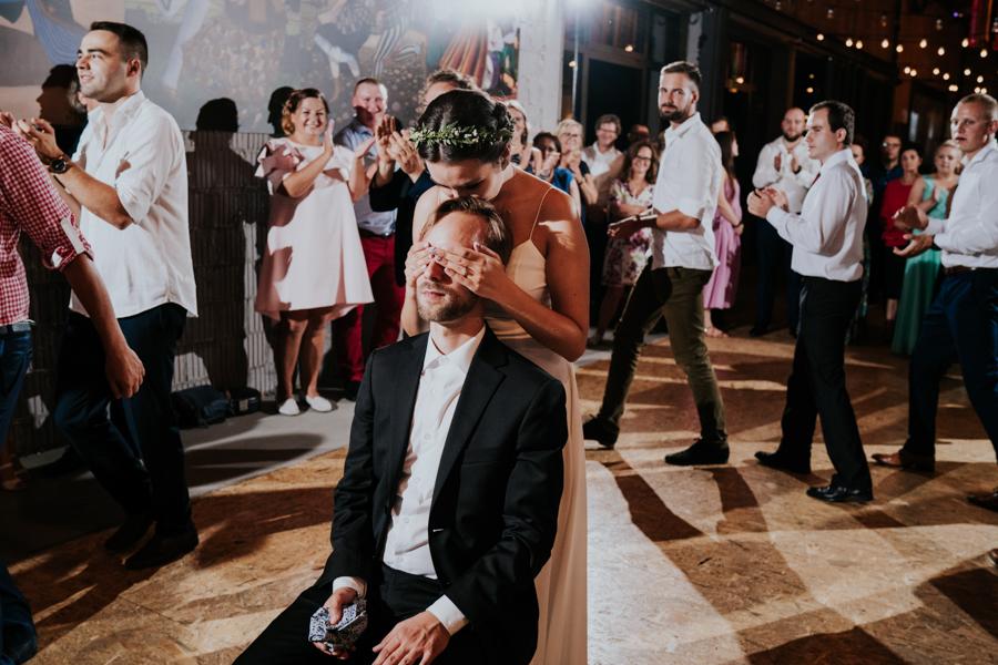 M&M - Rustykalne wesele i ślub w Folwarku Kamyk - Fotograf Częstochowa 164