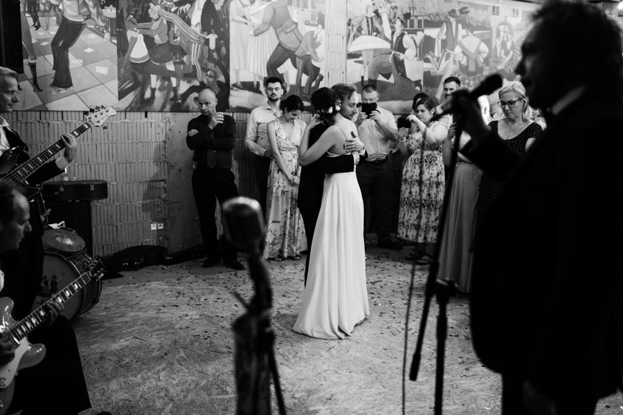 M&M - Rustykalne wesele i ślub w Folwarku Kamyk - Fotograf Częstochowa 172
