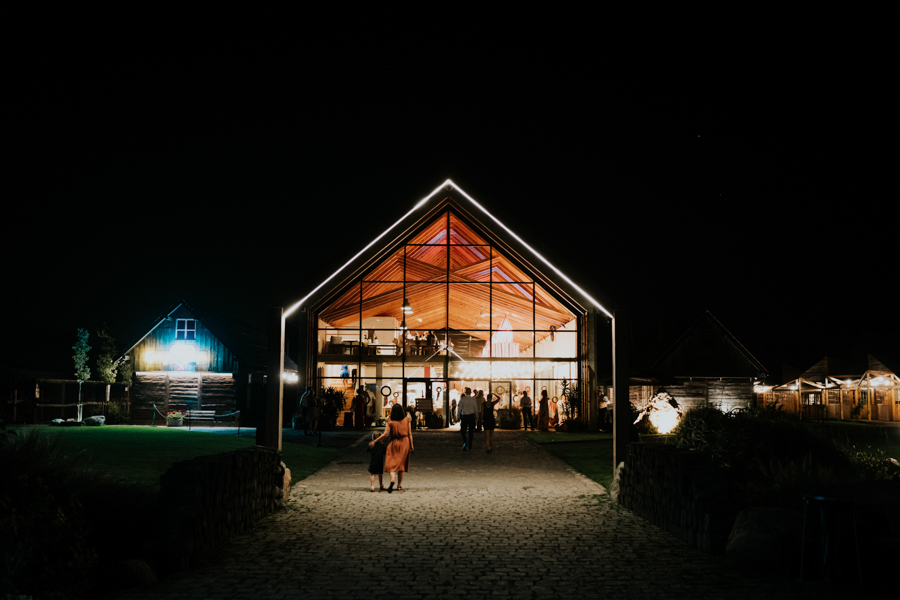 M&M - Rustykalne wesele i ślub w Folwarku Kamyk - Fotograf Częstochowa 177