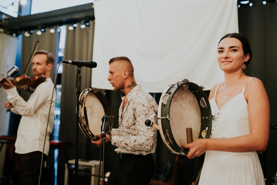 M&M - Rustykalne wesele i ślub w Folwarku Kamyk - Fotograf Częstochowa 208