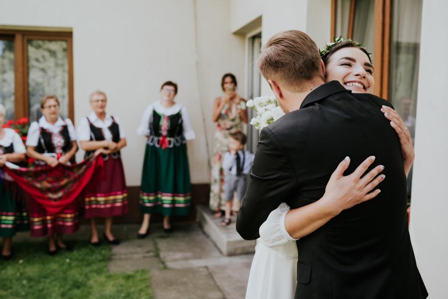 M&M - Rustykalne wesele i ślub w Folwarku Kamyk - Fotograf Częstochowa 31