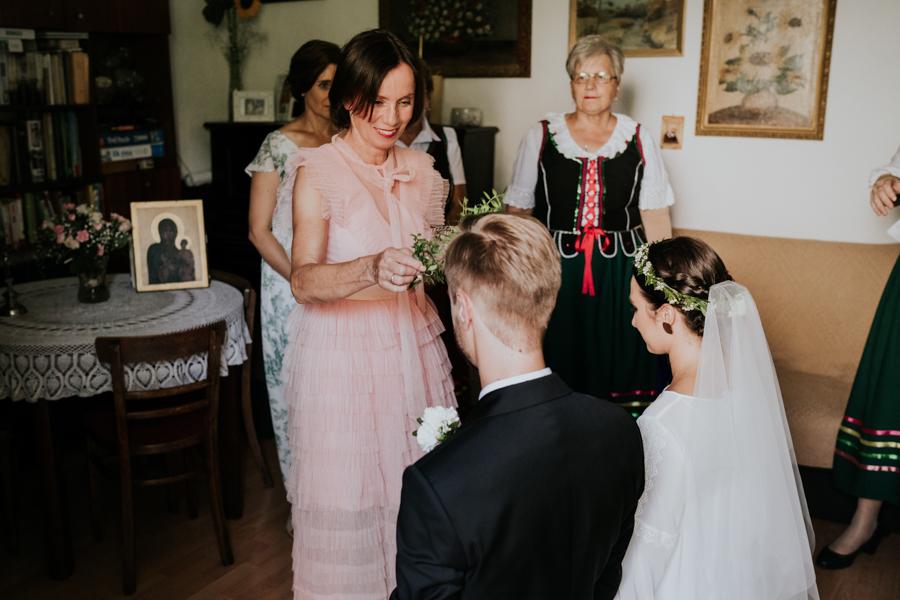 M&M - Rustykalne wesele i ślub w Folwarku Kamyk - Fotograf Częstochowa 35