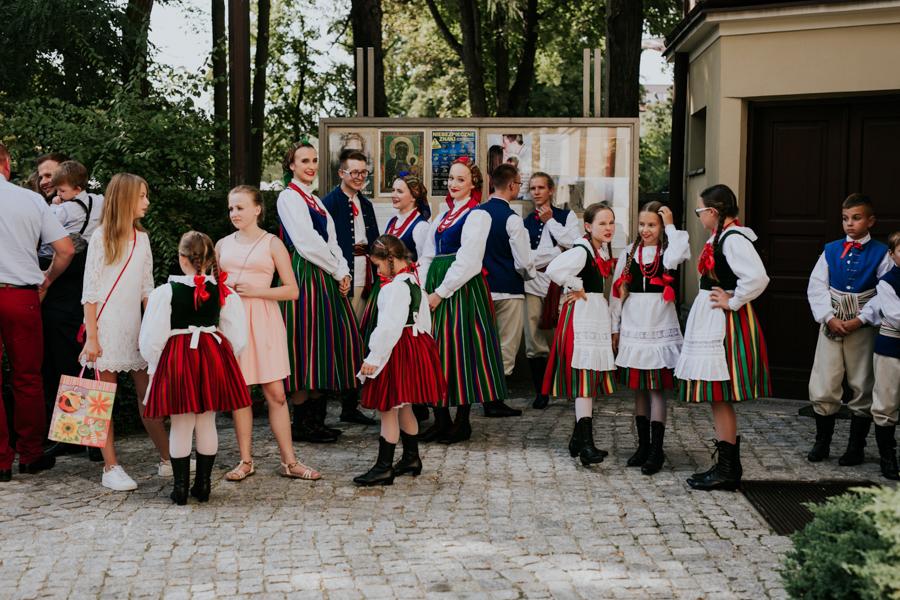 M&M - Rustykalne wesele i ślub w Folwarku Kamyk - Fotograf Częstochowa 50