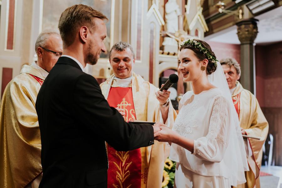 M&M - Rustykalne wesele i ślub w Folwarku Kamyk - Fotograf Częstochowa 71