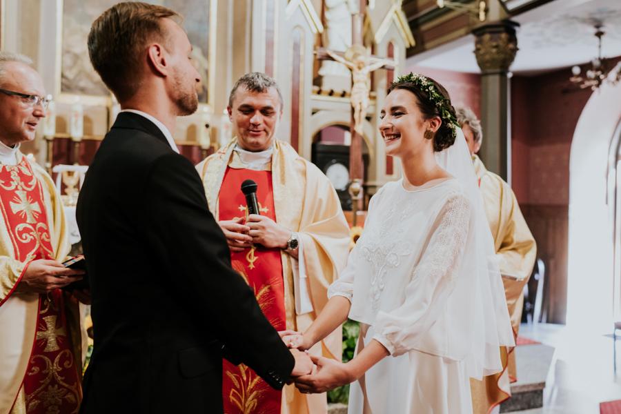 M&M - Rustykalne wesele i ślub w Folwarku Kamyk - Fotograf Częstochowa 72