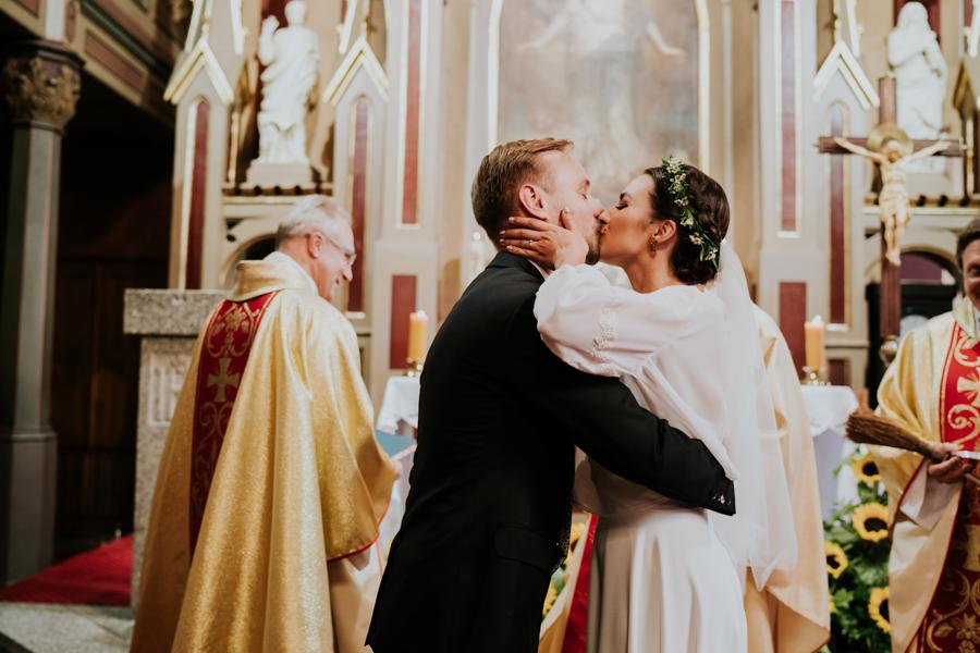 M&M - Rustykalne wesele i ślub w Folwarku Kamyk - Fotograf Częstochowa 73