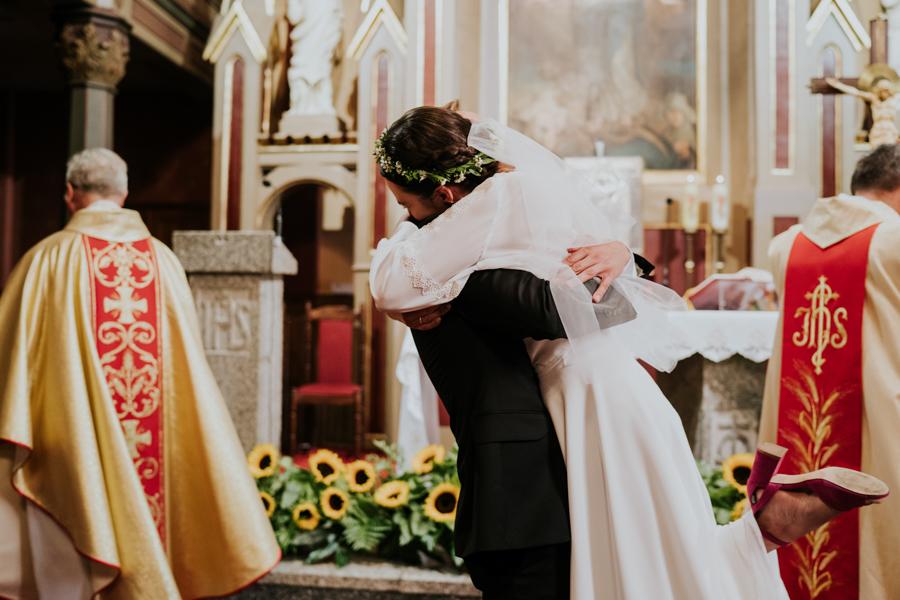 M&M - Rustykalne wesele i ślub w Folwarku Kamyk - Fotograf Częstochowa 74
