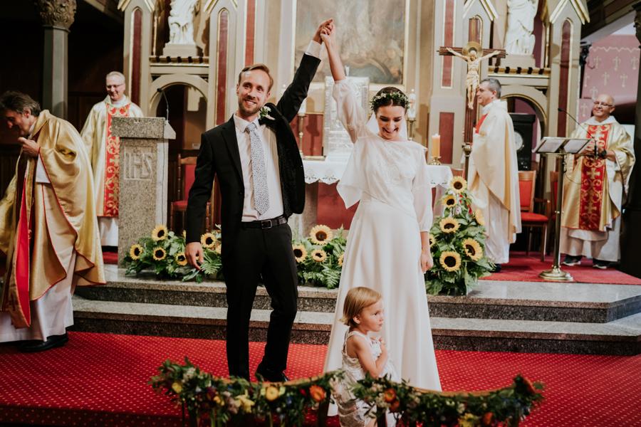M&M - Rustykalne wesele i ślub w Folwarku Kamyk - Fotograf Częstochowa 75