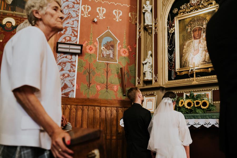 M&M - Rustykalne wesele i ślub w Folwarku Kamyk - Fotograf Częstochowa 87