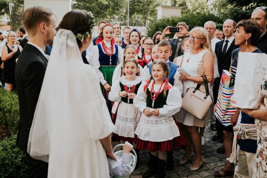M&M - Rustykalne wesele i ślub w Folwarku Kamyk - Fotograf Częstochowa 92