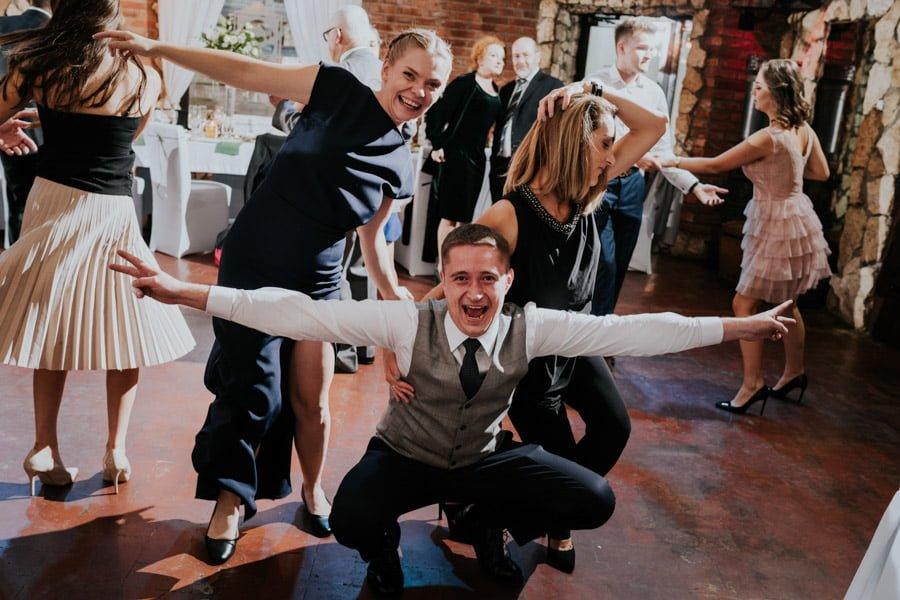 Najweselszy ślub roku - Fotografia Ślubna Częstochowa - Restauracja Kmicic 105