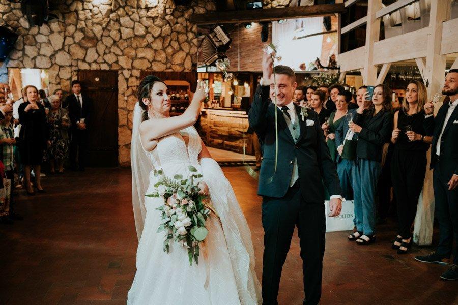 Najweselszy ślub roku - Fotografia Ślubna Częstochowa - Restauracja Kmicic 73